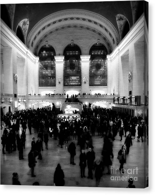 In Awe At Grand Central Canvas Print