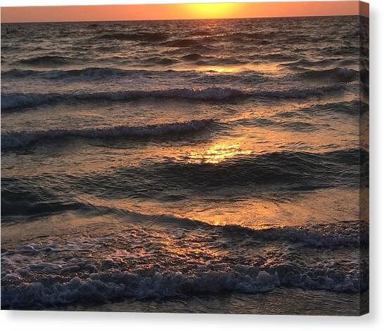 Indian Rocks Beach Waves At Sunset Canvas Print