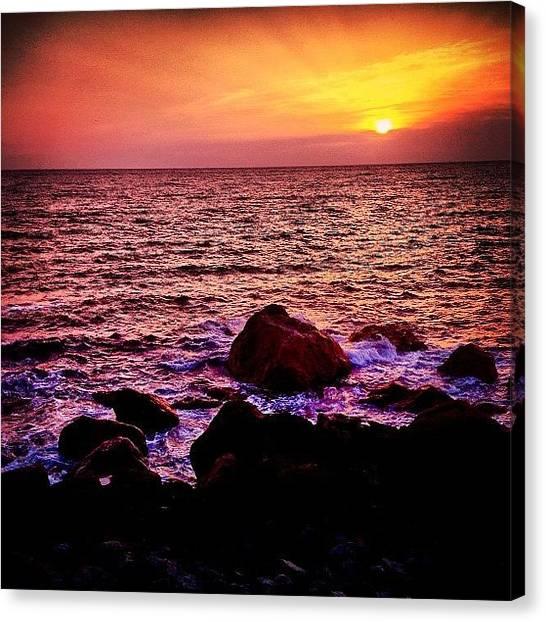 Ocean Sunrises Canvas Print - Instagram Photo by Fuukan Kanazawa