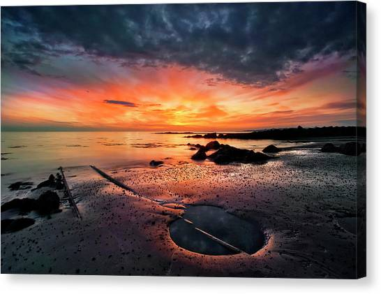 Winter Sky Canvas Print - Into The Sunset by ?orsteinn H. Ingibergsson