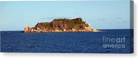 Island Lighthouse Australia Canvas Print by John Potts