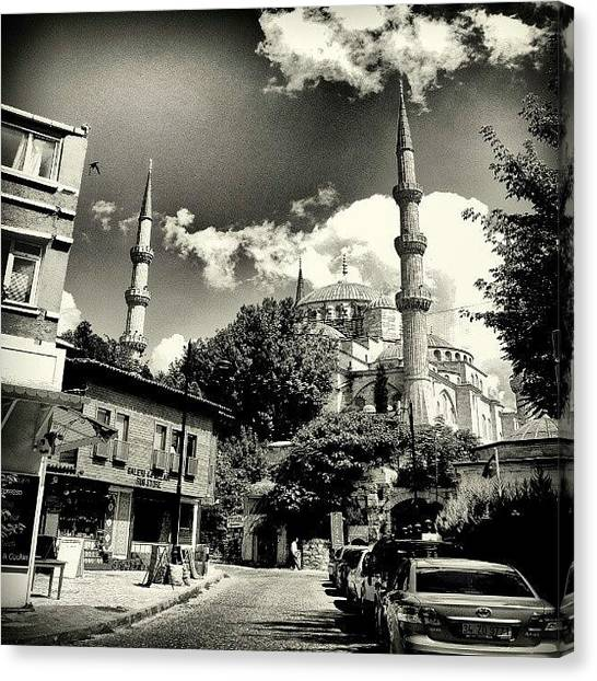 Turkish Canvas Print - Istanbul by Ernesto Cinquepalmi