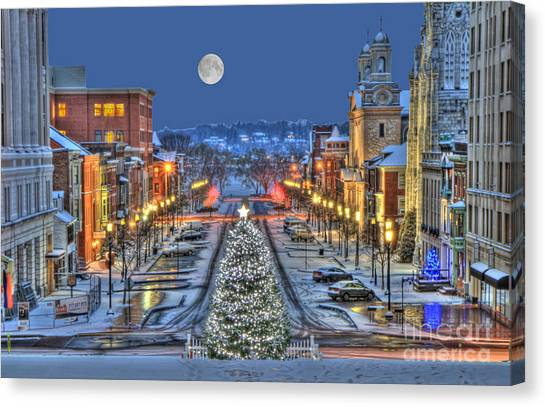 It's Christmas Time In The City Canvas Print