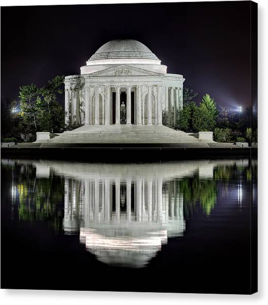 Jefferson Memorial - Night Reflection Canvas Print