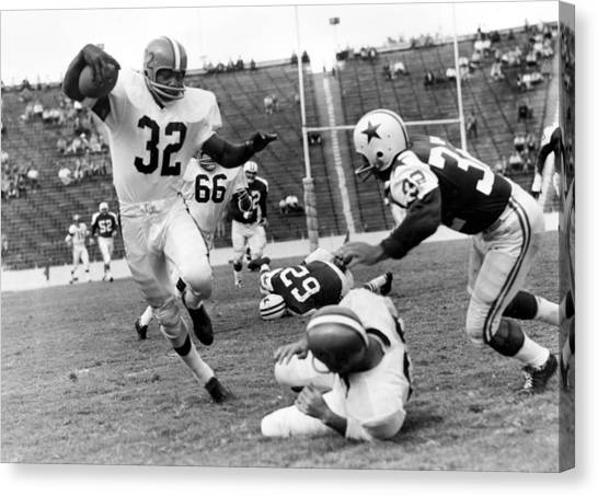 Running Backs Canvas Print - Jim Brown Running With The Ball by Gianfranco Weiss
