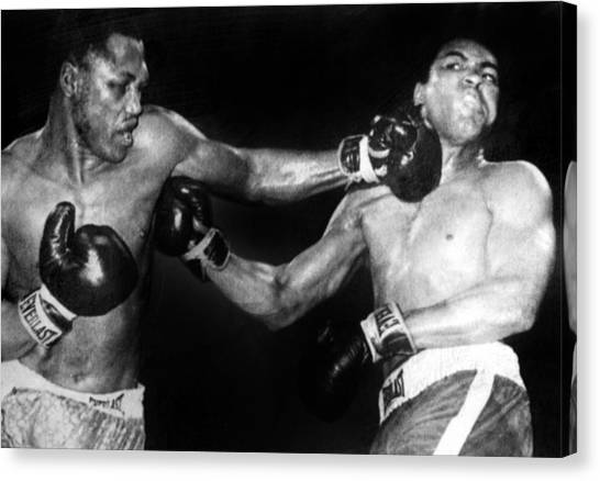 Joe Frazier Canvas Print - Joe Frazier Vs. Muhammad Ali by Everett