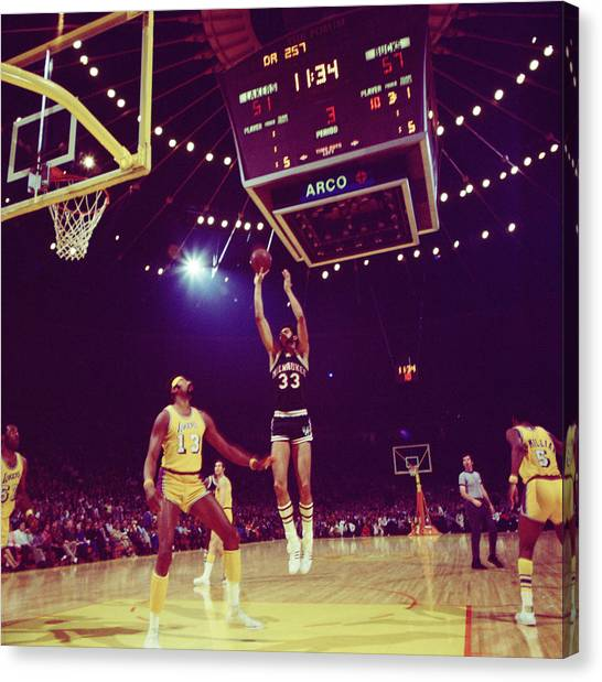 Milwaukee Bucks Canvas Print - Kareem Jump Shot by Retro Images Archive