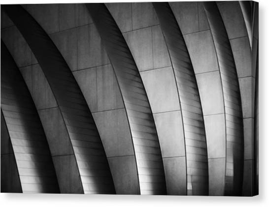 Kauffman Performing Arts Center Black And White Canvas Print