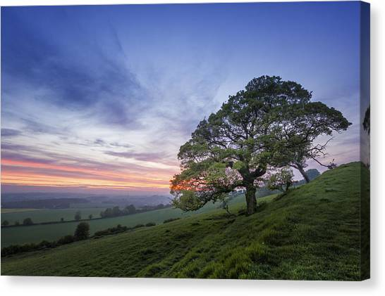 Kent Countryside Canvas Print by Ian Hufton