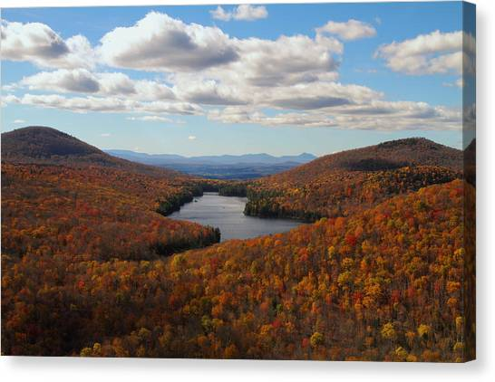 Kettle Pond At Owls Head In Autumn Canvas Print