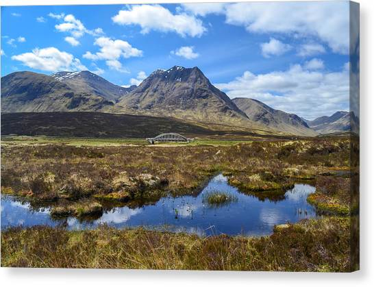 Kings House Near The Bridge Over The River Etive Canvas Print by Alex Zorychta