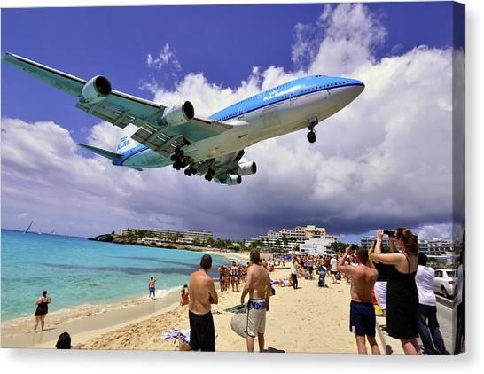 Klm Landing At St Maarten 2  Canvas Print