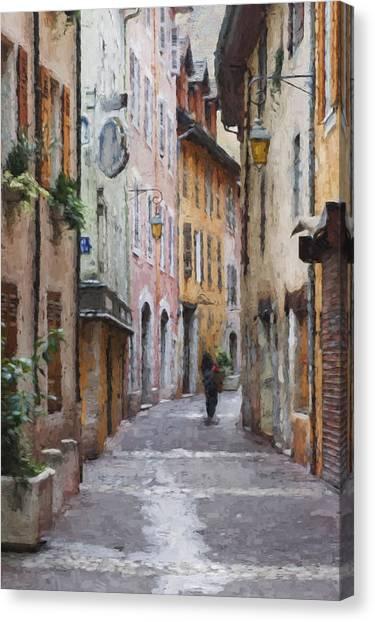 La Pietonne A Annecy - France Canvas Print