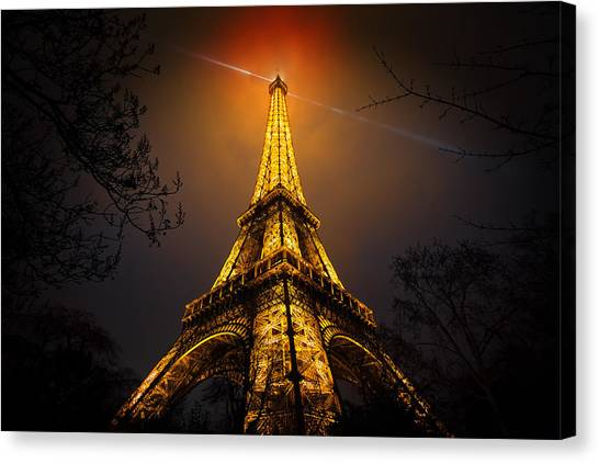 Eiffel Tower Canvas Print - La Tour Eiffel by Clemens Geiger