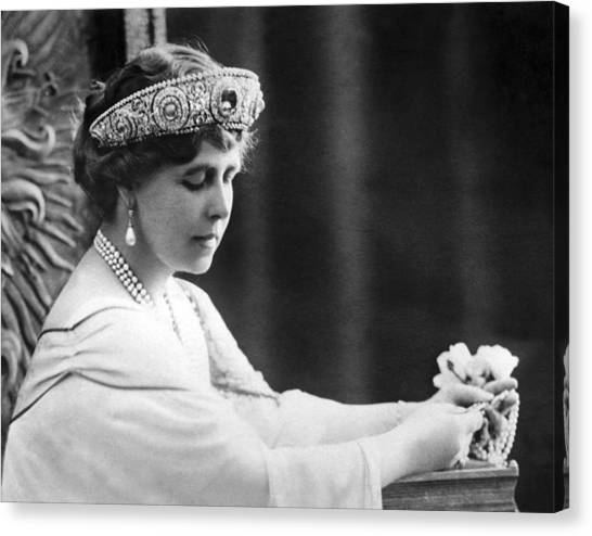Queen Elizabeth Canvas Print - Queen Elizabeth The Queen Mother by Underwood Archives