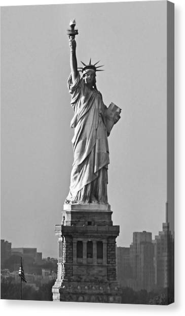 Lady Liberty Black And White Canvas Print