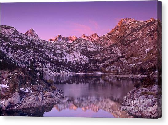 Canvas Print featuring the photograph Lake Sabrina Sunrise Eastern Sierras California by Dave Welling