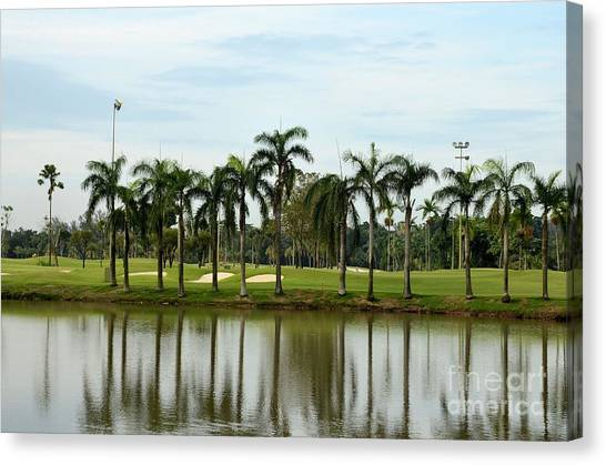Lake Sand Traps Palm Trees And Golf Course Singapore Canvas Print