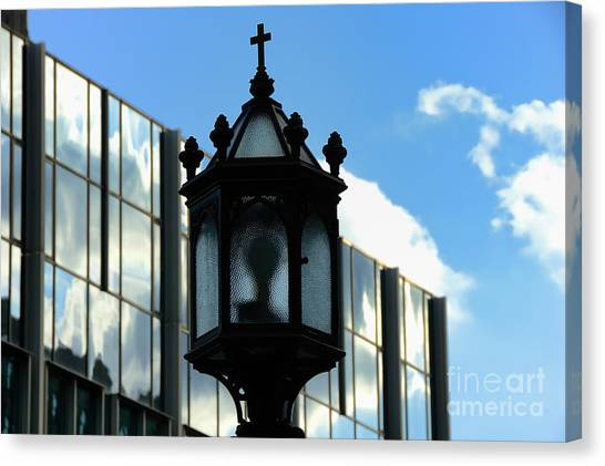 University Of Pittsburgh Canvas Print - Lamp Post Pittsburgh by Thomas R Fletcher