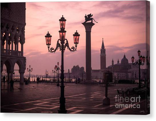 Lamppost Of Venice Canvas Print