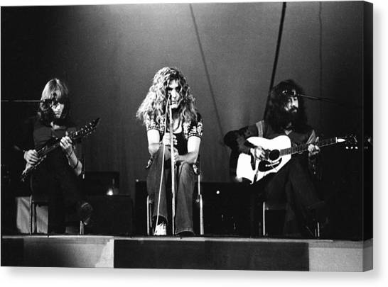 Robert Plant Canvas Print - Led Zeppelin 1971 by Chris Walter
