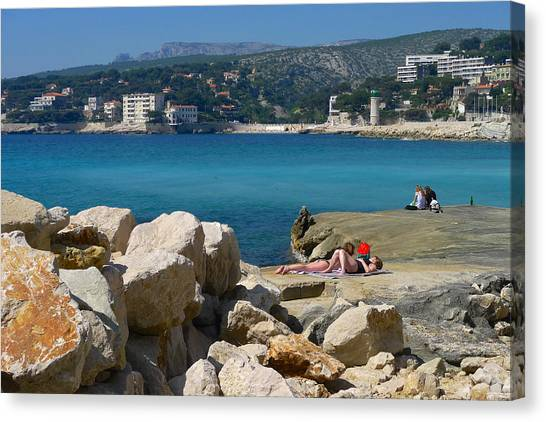 Leisure In Cassis Canvas Print