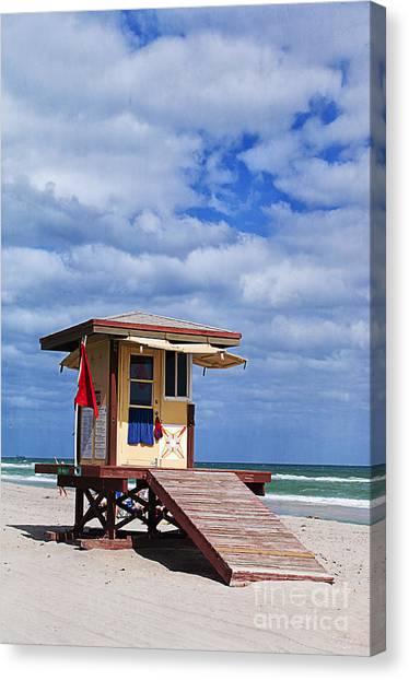 Lifeguard Station In Hollywood Florida Canvas Print