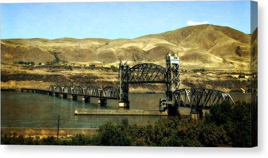Lift Bridge Over The Columbia River Canvas Print