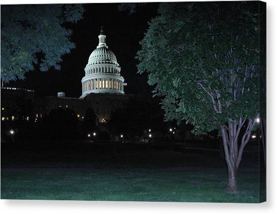 Light In The Capitol Canvas Print by Frank Savarese