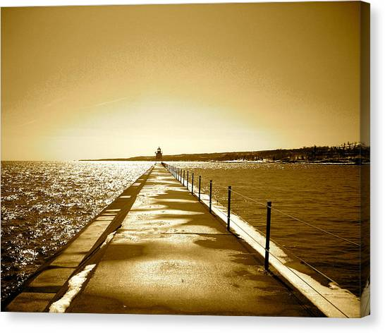 Lighthouse 2 Canvas Print by Eric Larson