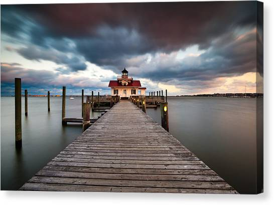 Lighthouse - Outer Banks Nc Manteo Lighthouse Roanoke Marshes Canvas Print
