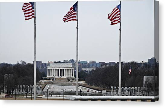 Lincoln And Wwii Monuments 1 Canvas Print