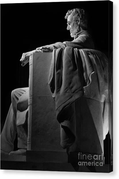 Lincoln In Black And White Canvas Print