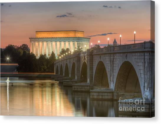 Lincoln Memorial And Arlington Memorial Bridge At Dawn I Canvas Print