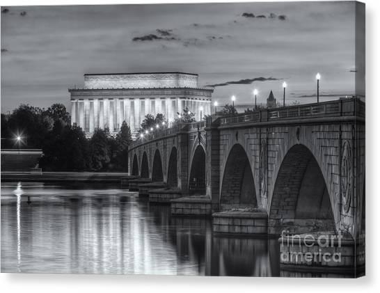 Lincoln Memorial And Arlington Memorial Bridge At Dawn II Canvas Print