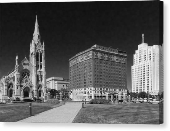 Saint Louis University Canvas Print - Lindell At Grand St Louis Dsc02723 by Greg Kluempers