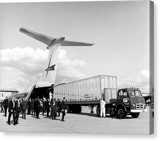 Lockheed C-141 Starlifter Canvas Print by Underwood Archives