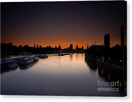 London Sunrise Canvas Print
