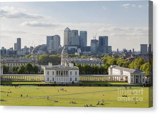 London View From Greenwich Canvas Print by Roberto Morgenthaler