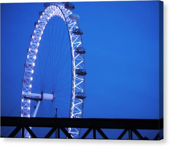 London's Eye At Dusk Canvas Print