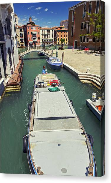 Longboat In Venice Canvas Print