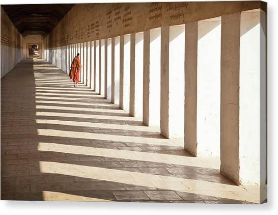 Judaism Canvas Print - Looking Back by Joe B N