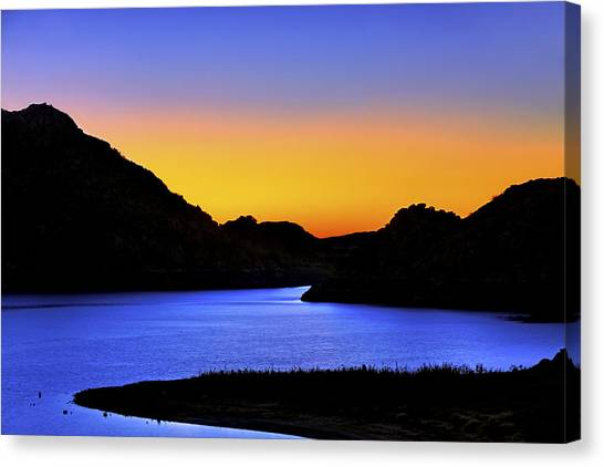 Looking Through The Quartz Mountains At Sunrise - Lake Altus - Oklahoma Canvas Print