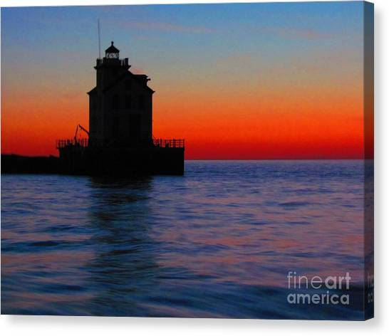 Lorain Lighthouse At Sundown Canvas Print