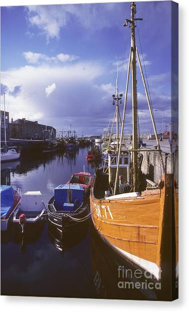 Lossiemouth Harbour - Scotland Canvas Print by Phil Banks