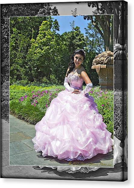 Lovely Lady At The Dallas Arboretum Canvas Print