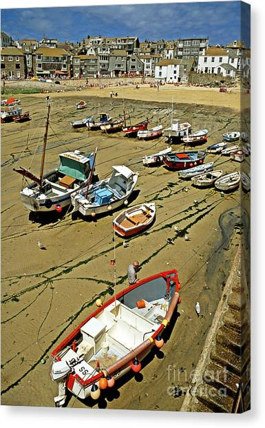Low Tide At St Ives Cornwall Uk 1990 Canvas Print by David Davies