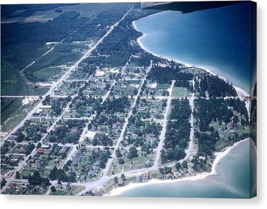 Mackinaw City In The Fifties Canvas Print