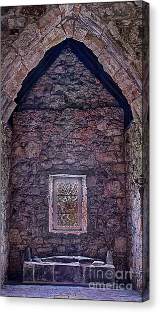 Macleod Tomb St Clements Rodel Canvas Print by George Hodlin