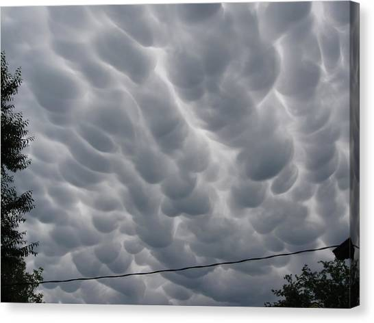 Mammatus Clouds Over Yorkton Canvas Print